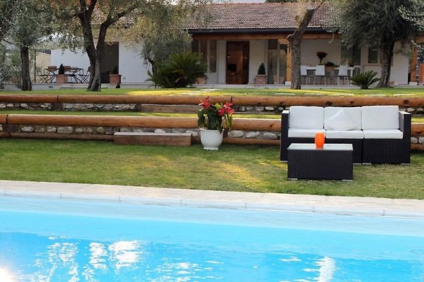 Villa con piscina 10-12 persone in Toscolano Maderno - immagine 1