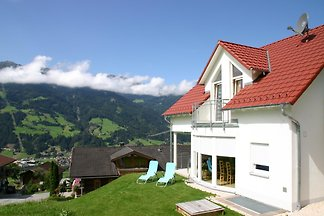 The Villa Sunshine was newly built in 2006 on a plot of approx. 477 sqm with a fantastic view of the mountains and offers enough space for up to 10 people.