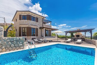 Villa CAVALLO with Pool & Sea View