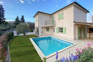 Nieuw vakantiehuis met jacuzzi