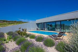 Moderne Villa OLIVETO mit Pool