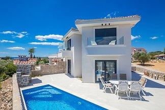 Ferienhaus Stella mit Pool