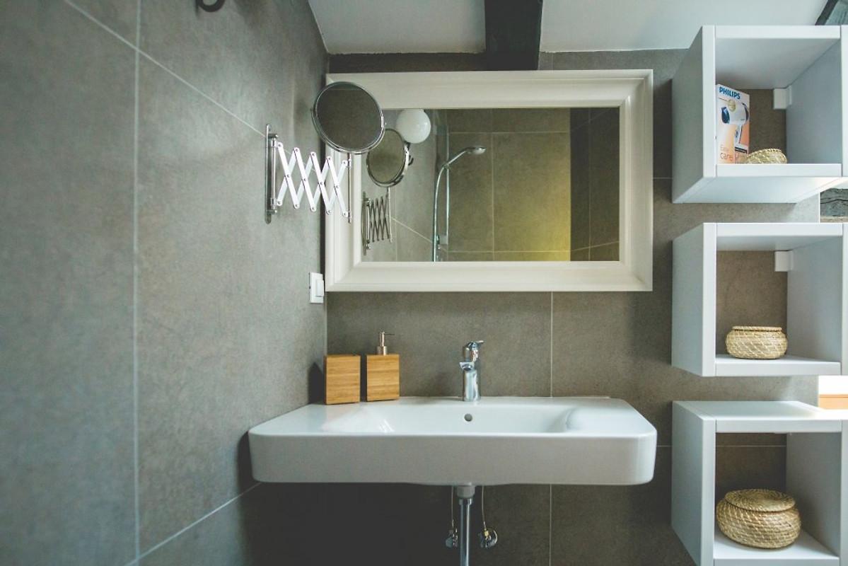Casa in pietra jela con piscina casa vacanze in dobrinj for Piani casa in stile artigiano 4 camere da letto