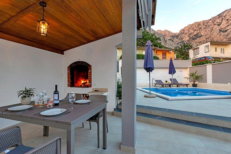 terrasse mit grillstelle