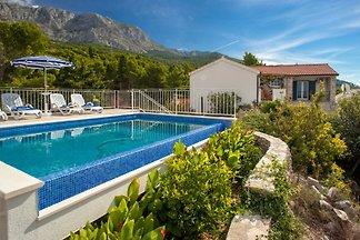 Villa Finestra con piscina Tucepi