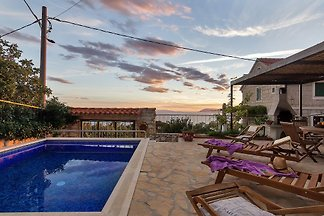 Holidayhome in Podgora with pool