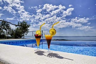Villa Mendula mit infinity Pool