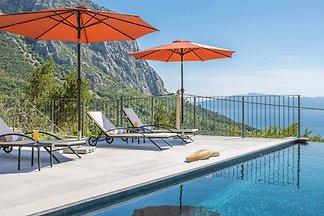 Villa Pauline mit beheiztem Pool