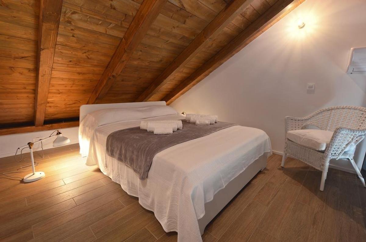 neu steinvilla mit beheiztem pool ferienhaus in zaostrog mieten. Black Bedroom Furniture Sets. Home Design Ideas