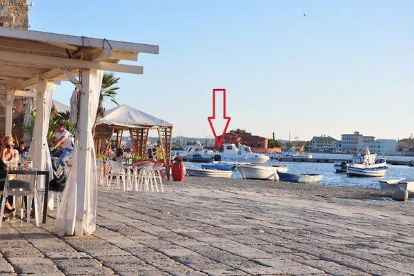 Elysa Hausboot 4 Personen auf See in Marzamemi - Bild 1