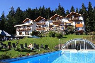 Ferienwohnungen  und Ferienhäuser im Gartenhotel Rosenhof bei Kitzbühel  inkl. Rosenhof Vorteile und Traumlage