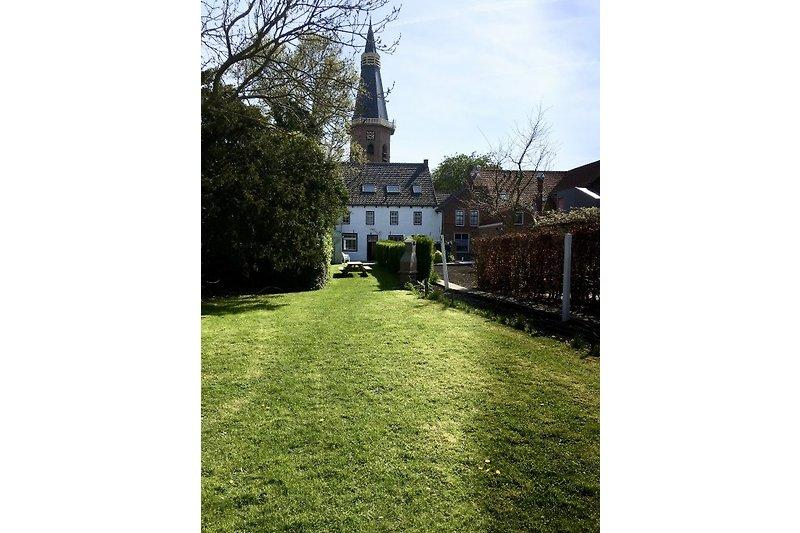 Garten hinter dem HerrenHaus