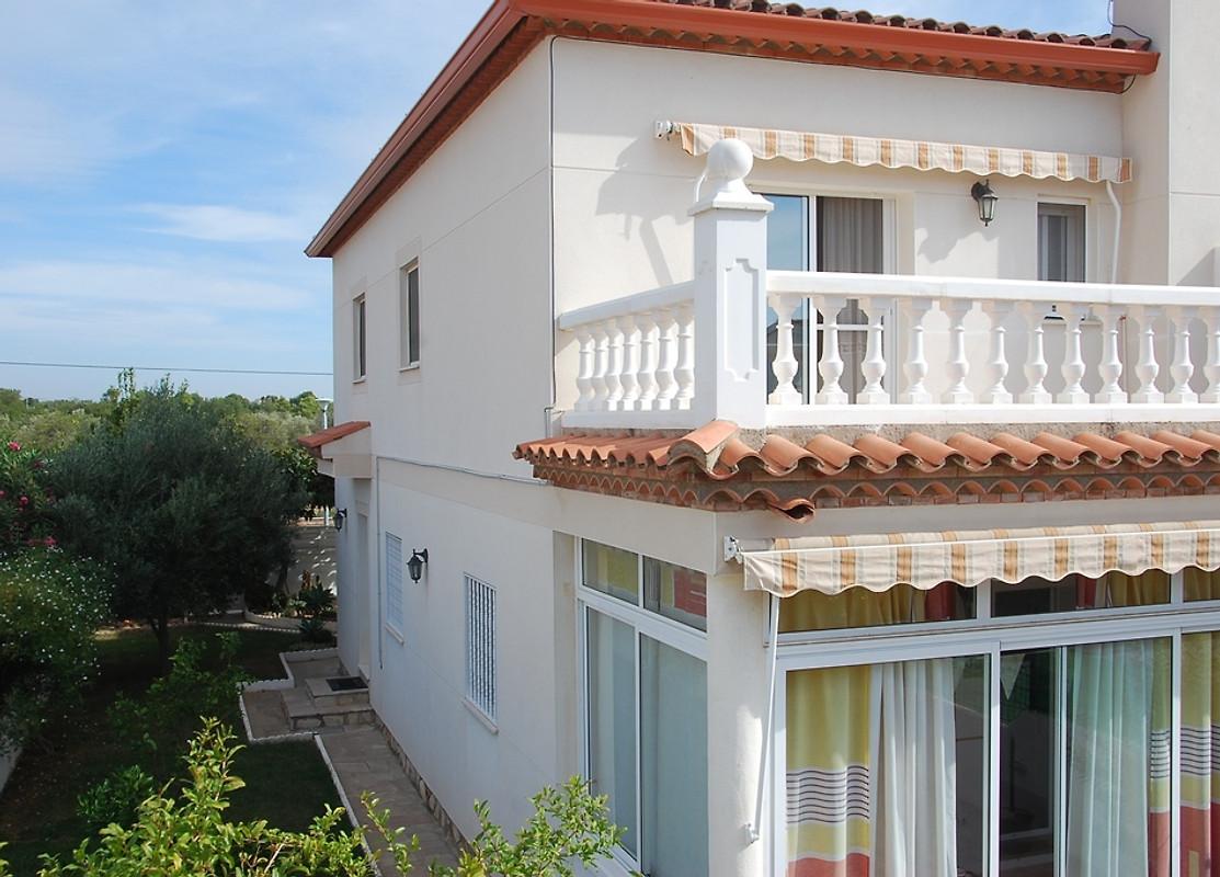 ferienhaus in spanien miami platja ferienhaus in miami playa mieten. Black Bedroom Furniture Sets. Home Design Ideas