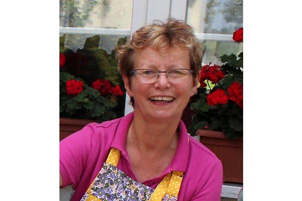 Frau A. Hinze