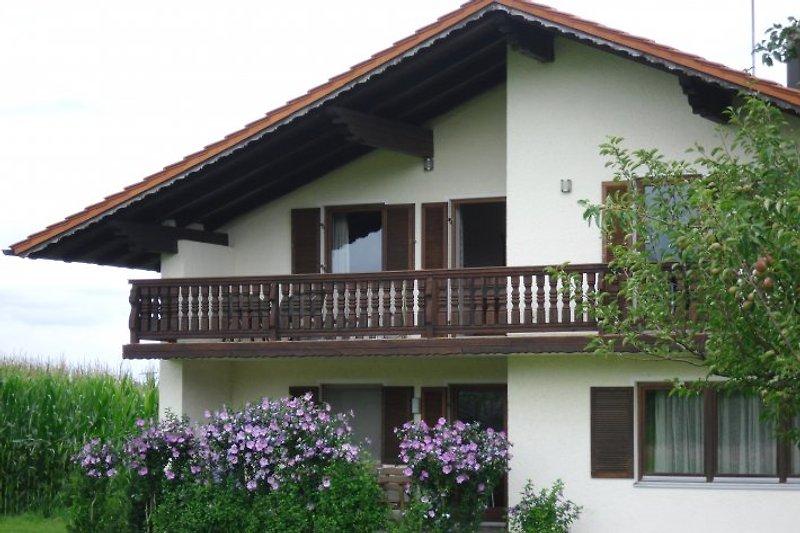 Haus mit Balko und Terrasse