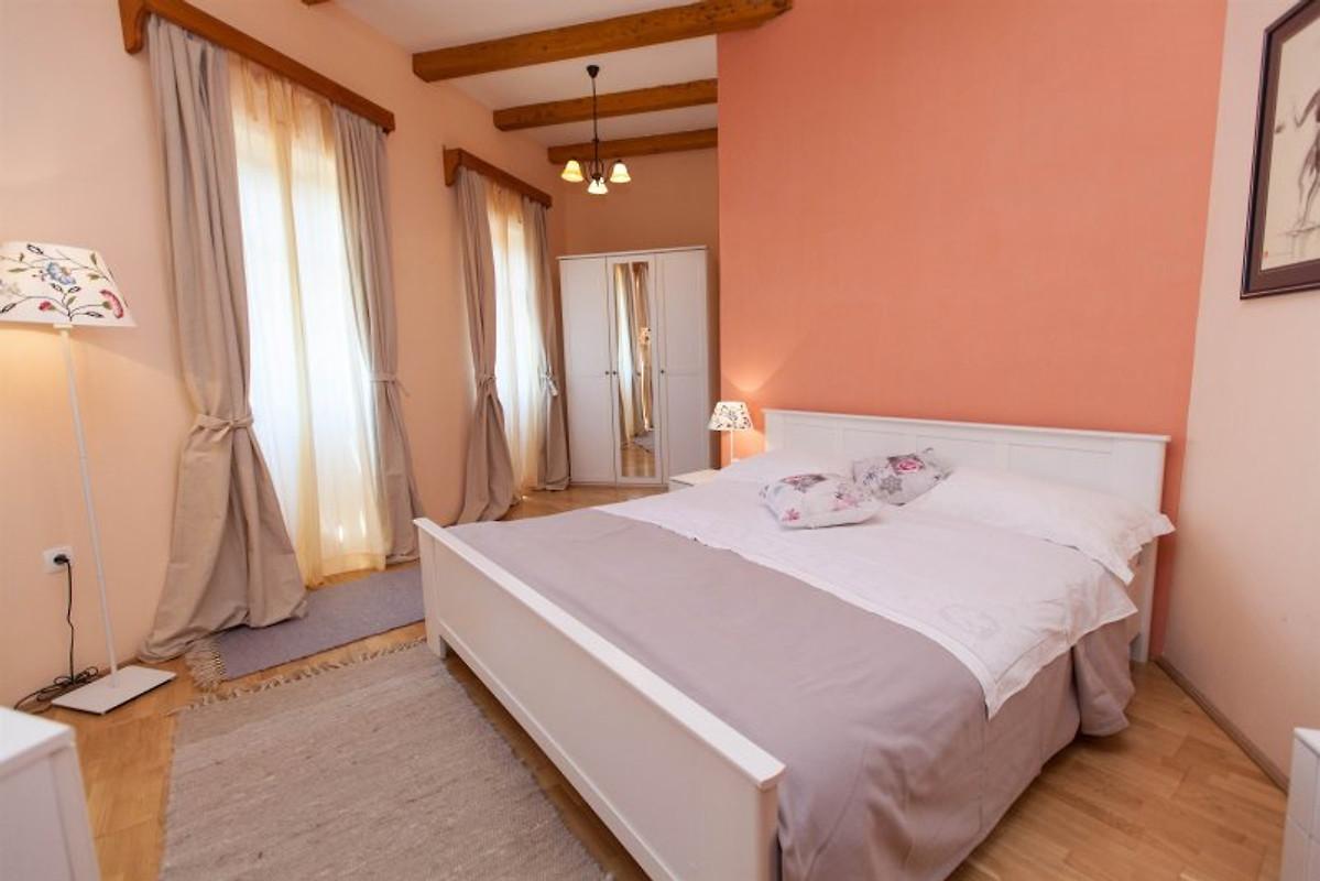 Casa delle fiabe casa vacanze in grizane affittare for Piani casa a prezzi accessibili 5 camere da letto