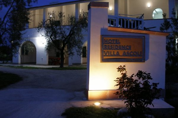 Hotel Residenz Villa Ascoli à Vieste - Image 1
