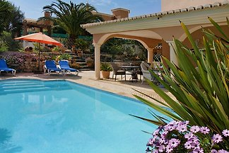 Appartement mit Pool in Lagos