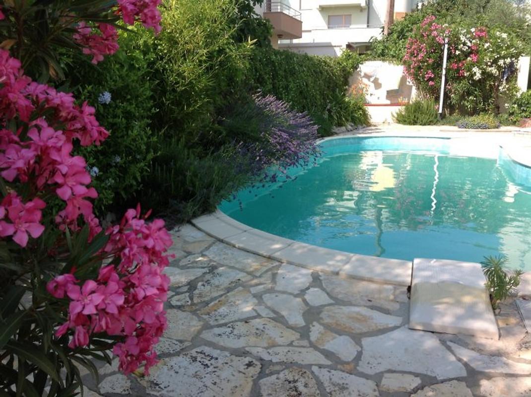 Fewo in Villa, Pool, Garten, Meer - Ferienwohnung in Zadar mieten