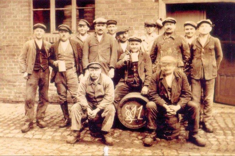 Mitarbeiter der Brauerei Anno dazumal