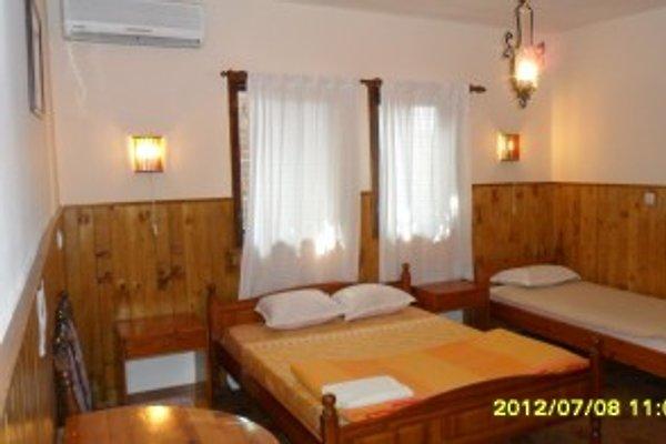 Hostel SkyView Sopot Bulgarien in Sopot - immagine 1