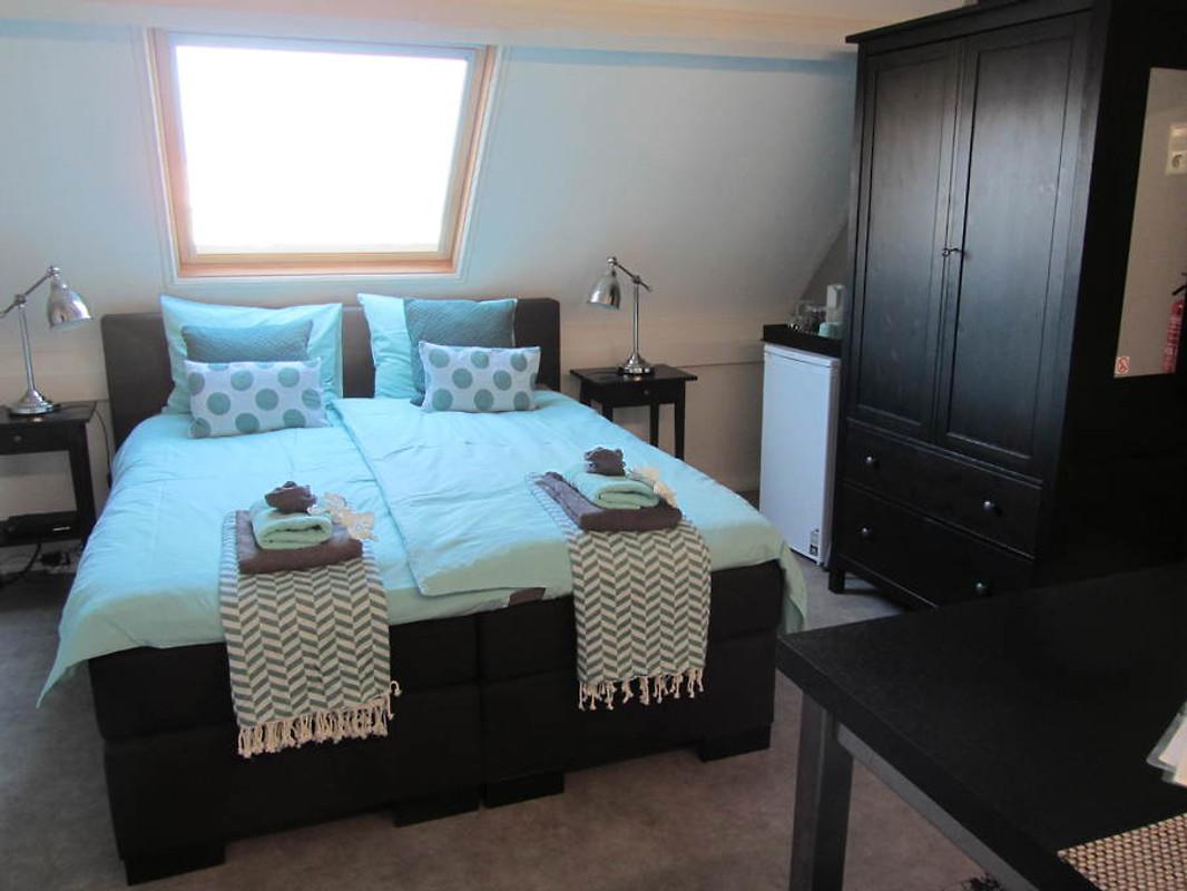 fam spaanstra zimmer mit fr hst ck pension in zandvoort mieten. Black Bedroom Furniture Sets. Home Design Ideas