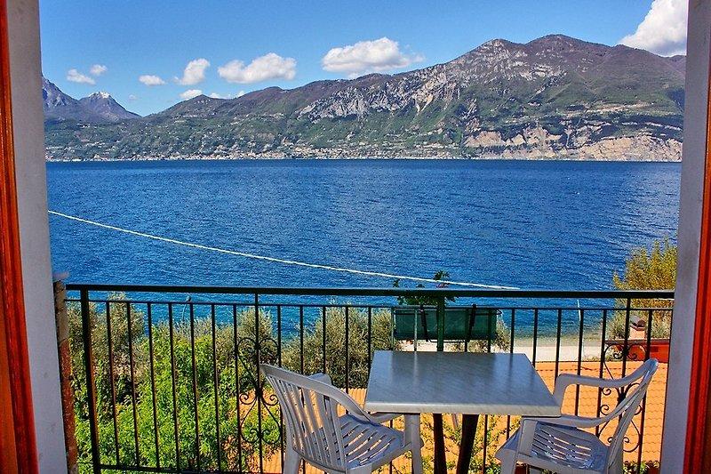 Balkon zum See