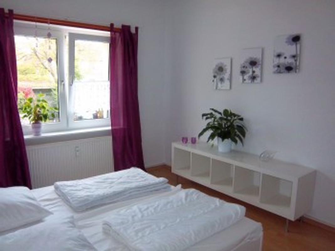 ferienwohnungen nahe zentrum ferienwohnung in schwerin. Black Bedroom Furniture Sets. Home Design Ideas
