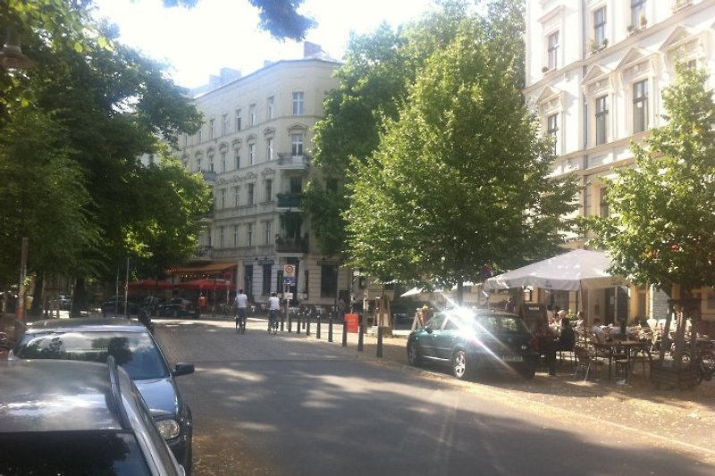 BERLIN PRENZLAUER BERG CENTER 2 ROOM HOLIDAY FLAT CENTRAL VACATION RENTAL ACCOMMODATION up to 4  PEOPLE WLAN WIFI