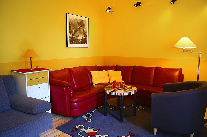 BERLIN CENTER MITTE 3 ROOM HOLIDAY FLAT VACATION RENTAL APARTMENT CENTRAL UP TO 6 PEOPLE
