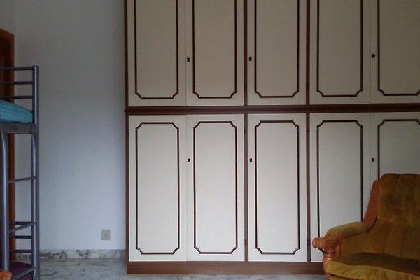 Casa della nonna holiday flat in pairola for Planimetrie della casa della nonna