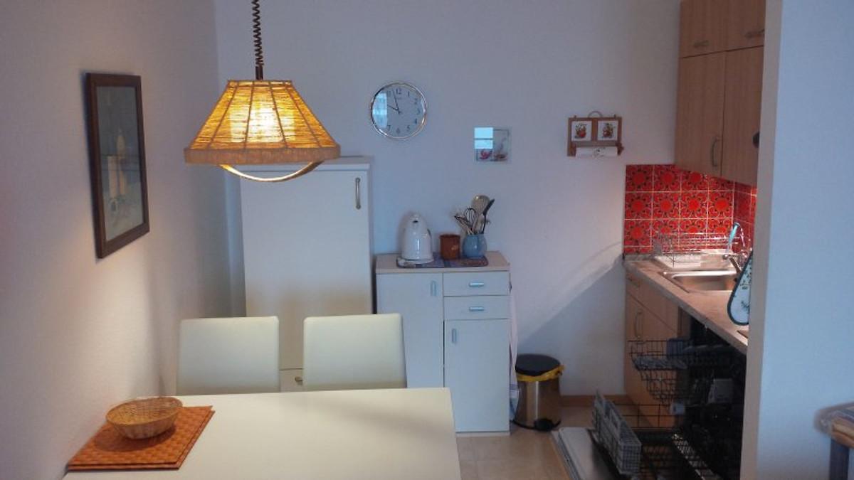 wk fewo wilhelm burgbergblick ferienwohnung in bad. Black Bedroom Furniture Sets. Home Design Ideas
