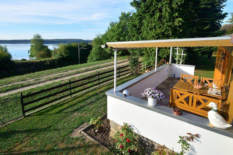 Terrasse und Schweriner See