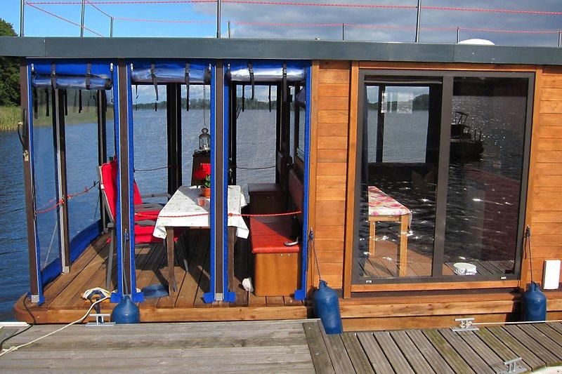 Überdachte Terrasse, Seiten verschließbar