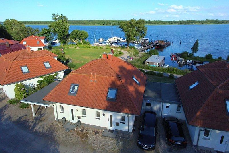 Luftbild Villa Schnuppig und Marina am Schweriner See