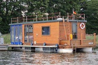 Ferienfloß D9 - schwimmendes Haus