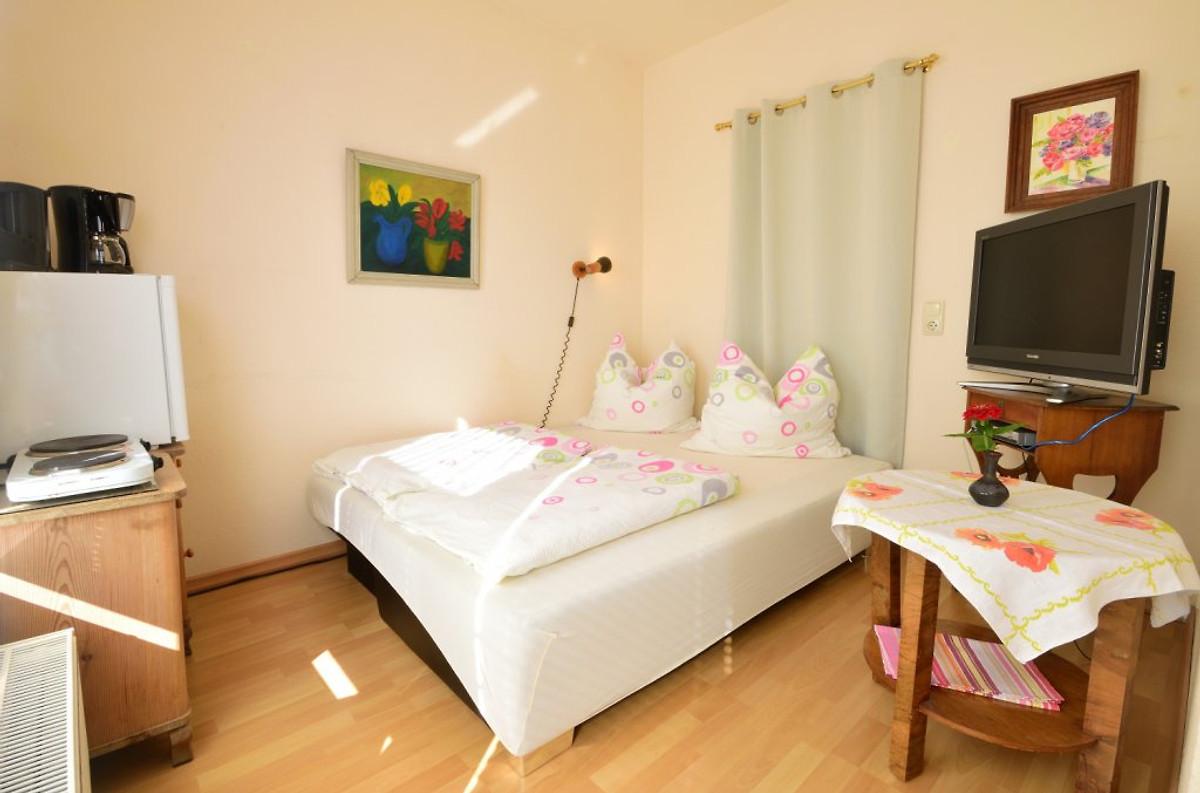 ferienzimmer romanski schwerinersee unterkunft in seehof mieten. Black Bedroom Furniture Sets. Home Design Ideas
