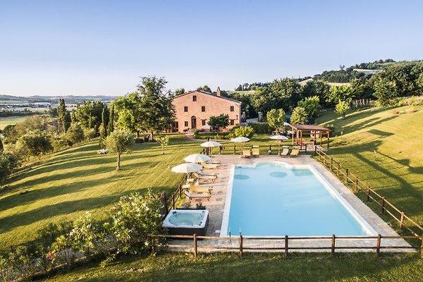 LE ROSE appartamento con piscina in Corinaldo - immagine 1