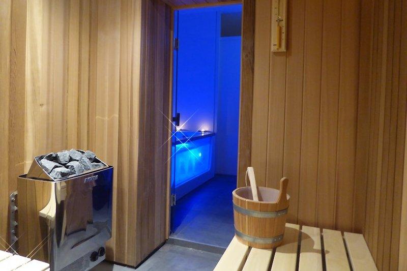 Neue Sauna, erreichbar vom Wellnessbad