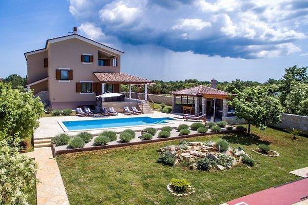 Vila Stokovci ****, Whirlpool à Svetvincenat - Image 1