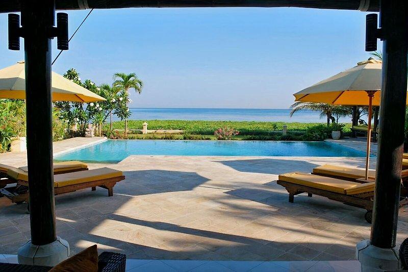 Meerblick über Pool Villa Cerah, Bali