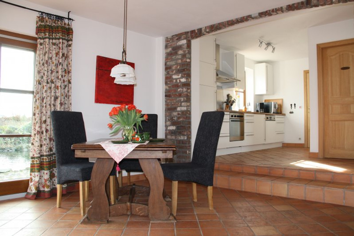 ferienhaus am teich ferienhaus in hombourg mieten. Black Bedroom Furniture Sets. Home Design Ideas