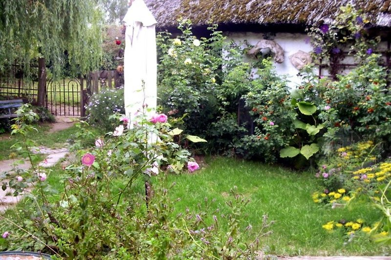 kleiner eigener Hofgarten