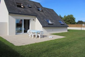 New cottage 130 m from superb beach