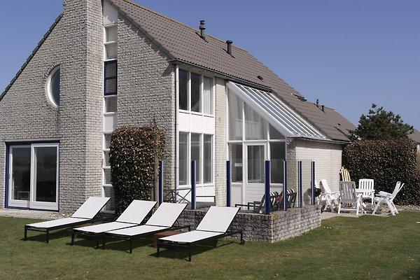 Freistehende Villa am Strand