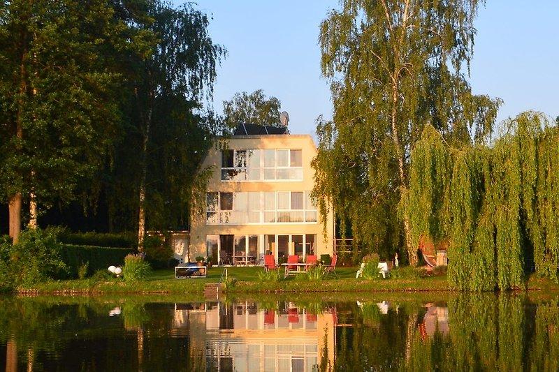 Ansicht des Hauses von der Seeseite
