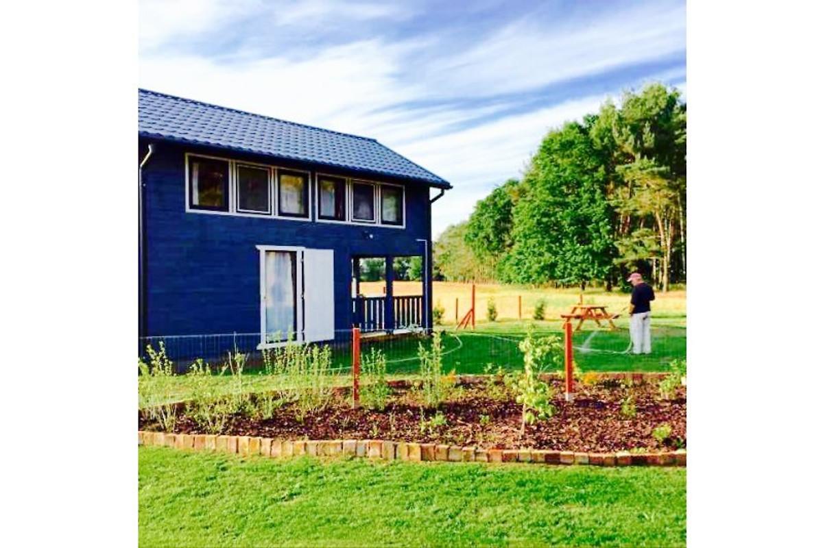 Blaue Häuser das blaue haus am sandstrand ferienhaus in nowe warpno mieten