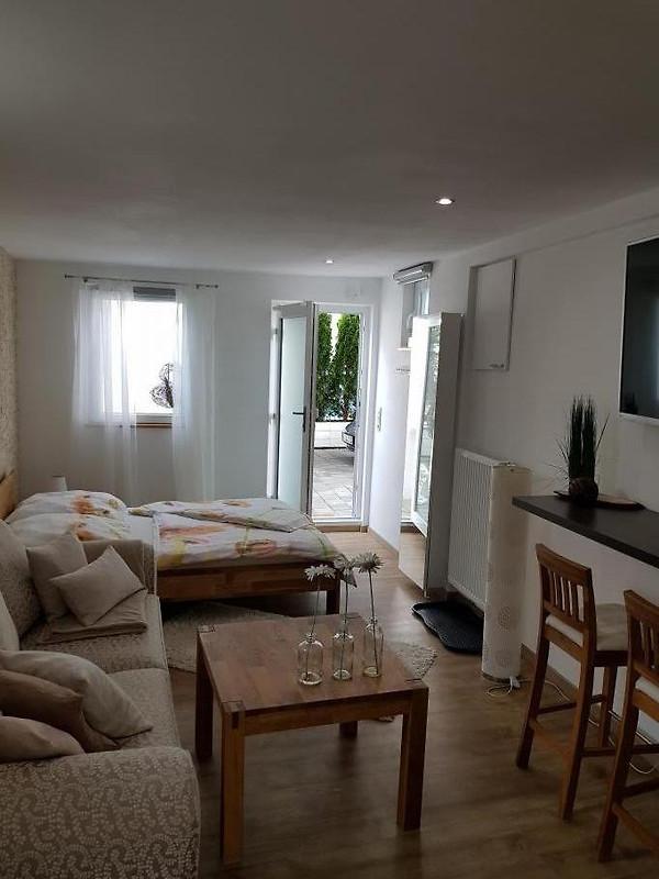 ferienwohnung claudia bodensee ferienwohnung in friedrichshafen mieten. Black Bedroom Furniture Sets. Home Design Ideas