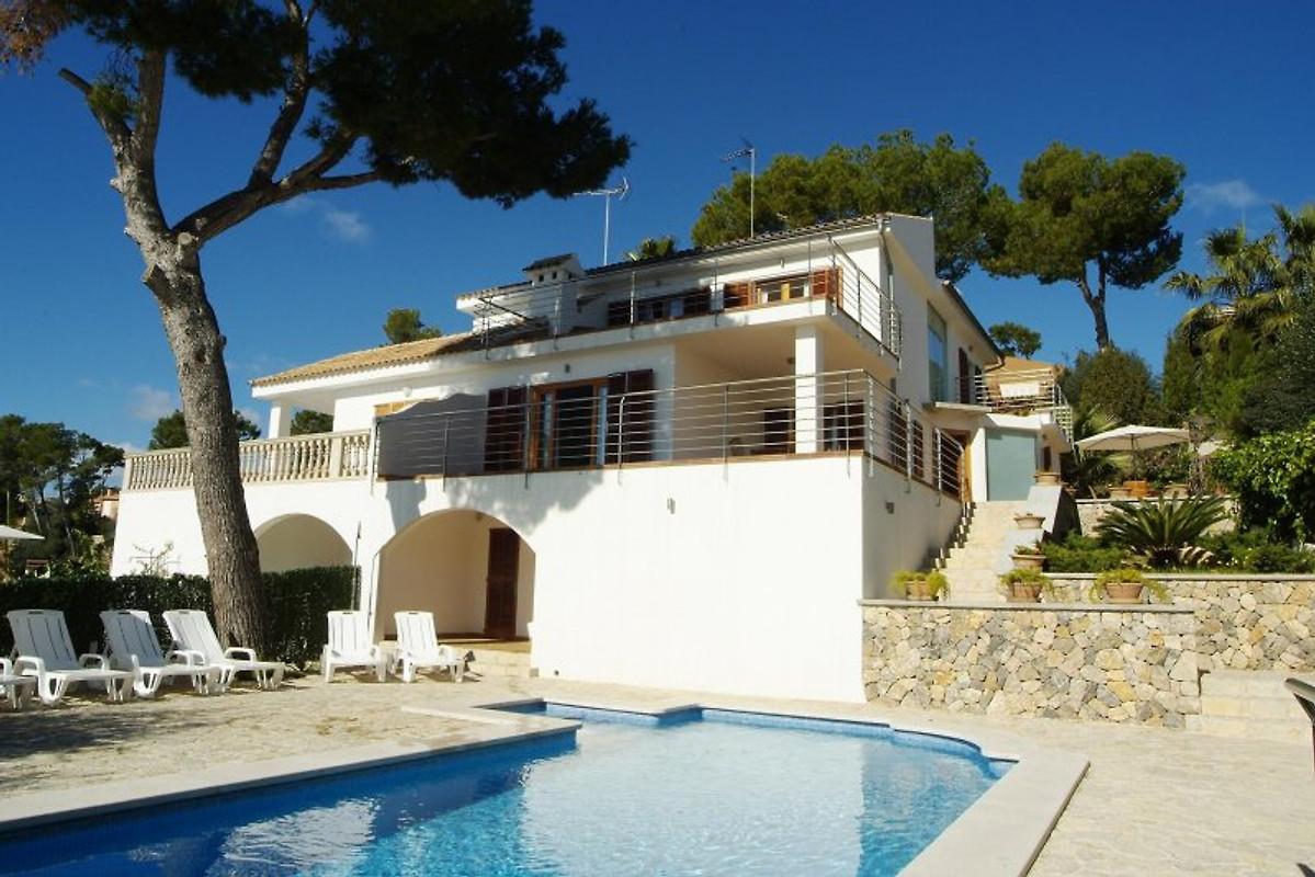 Villa alcanada mallorca ferienhaus in alcudia mieten for Mallorca villa mieten