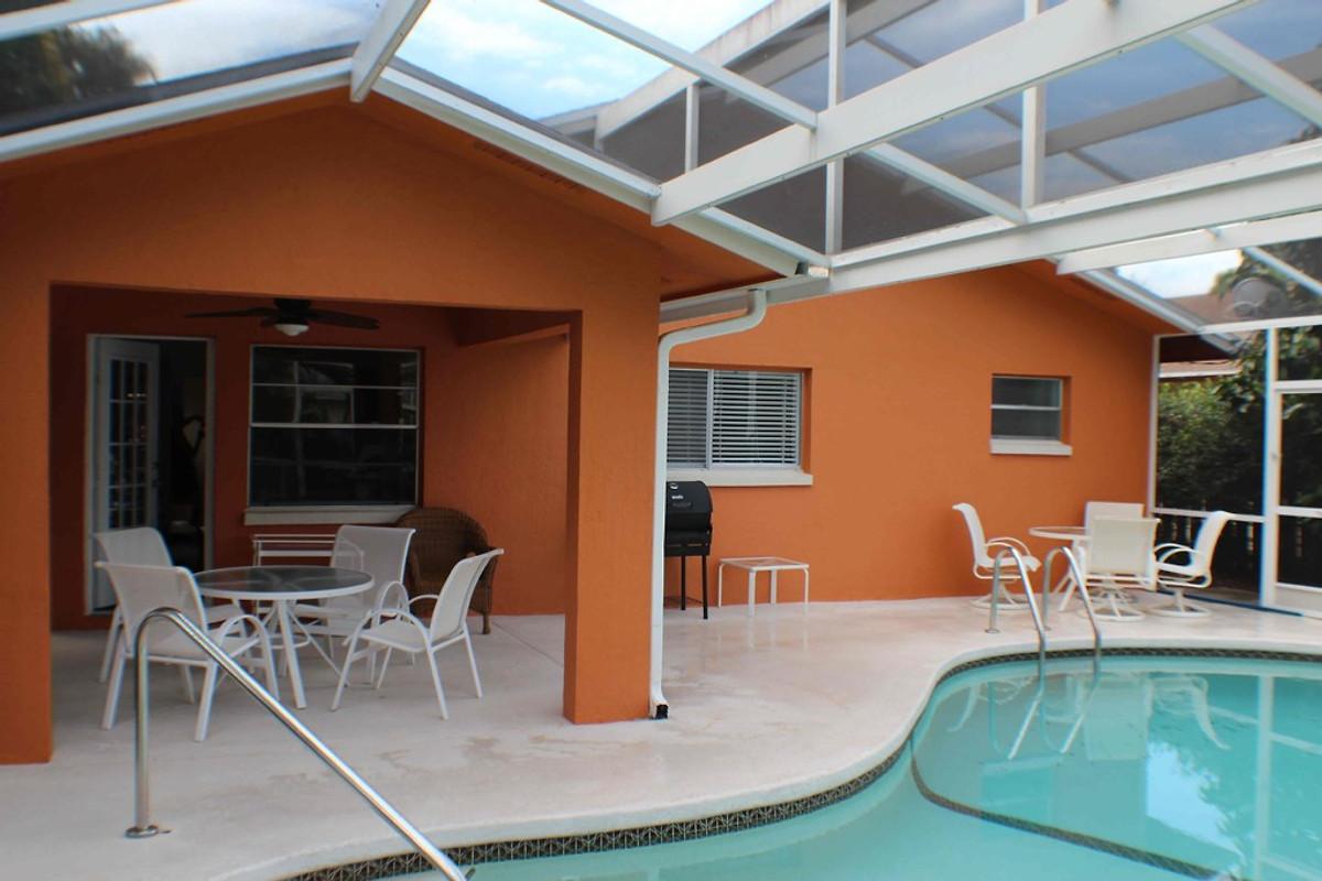 villa sunset ferienhaus in naples mieten. Black Bedroom Furniture Sets. Home Design Ideas